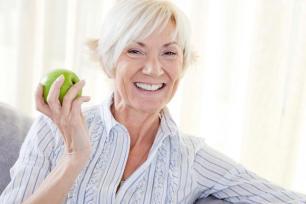 HYRBID WOMAN WITH GREEN APPLE